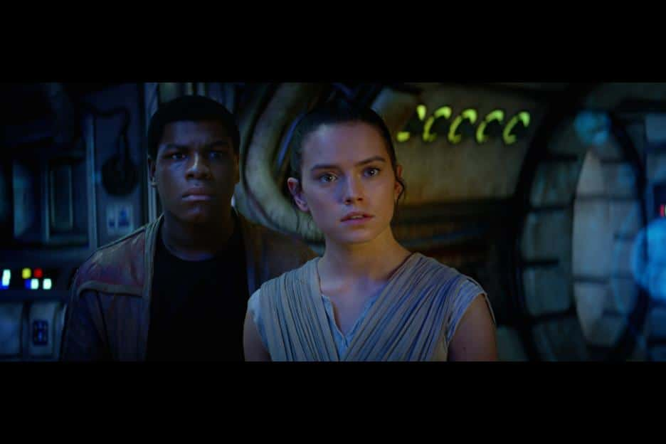 Star Wars: The Force Awakens Review - John Boyega and Daisy Ridley