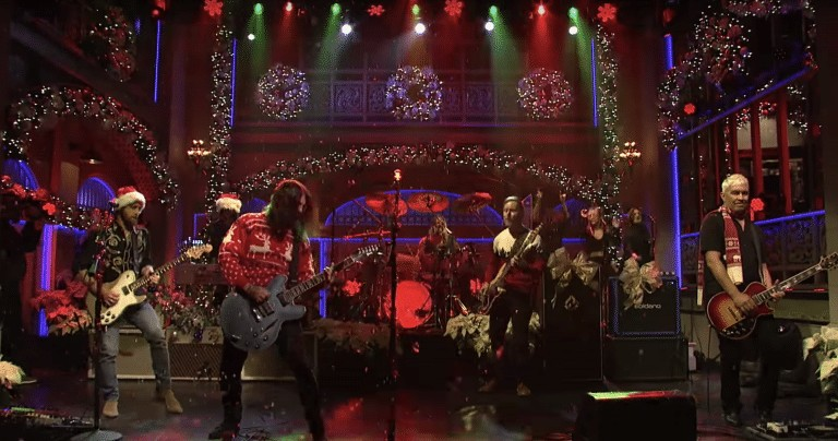 Watch the Foo Fighters Christmas Medley on Saturday Night Live