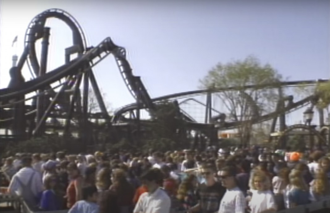 The Batman: The Ride opening day crowd
